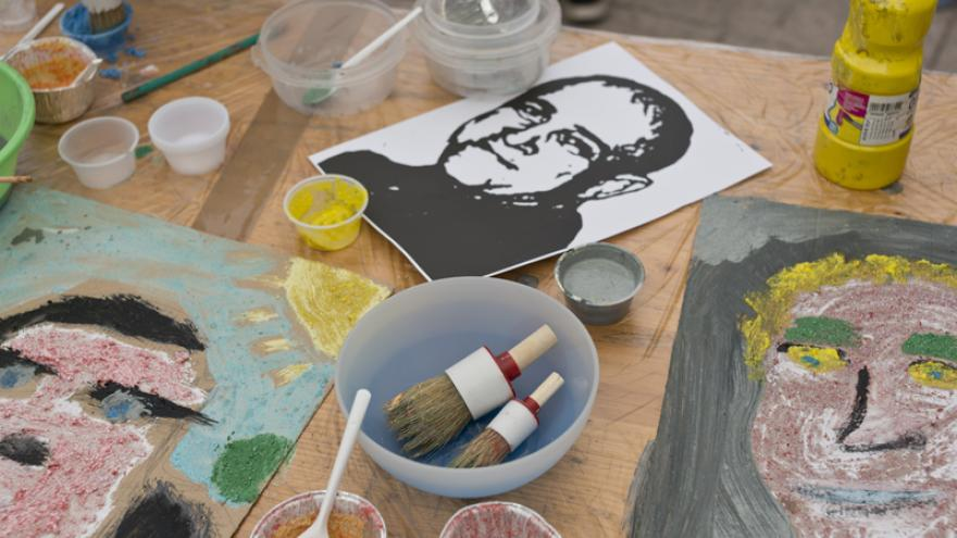 Retratos y materiales de pintura