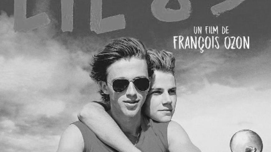imagen del cartel en la que se a dos protagonistas en moto