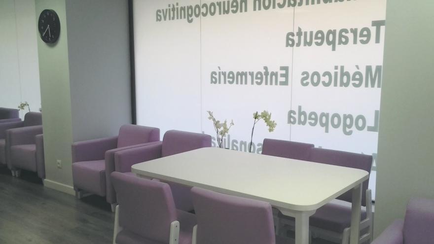 Interior centro de día para personas mayores