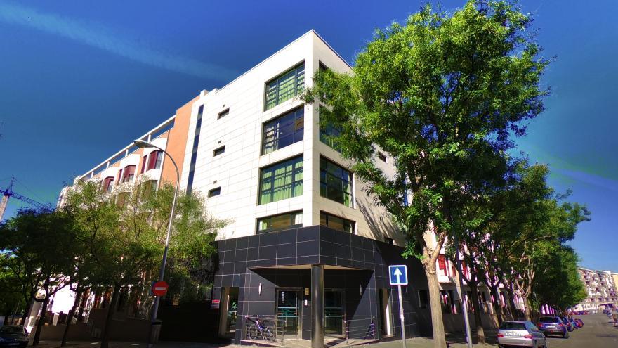 Vista exterior residencia para personas mayores