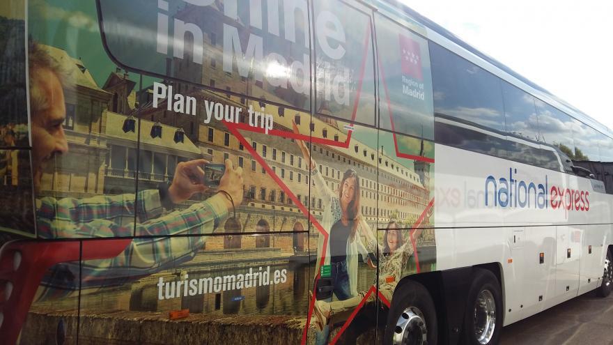 Autobús vinilado
