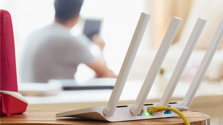 Casi 900 centros educativos más tendrán este curso banda ancha ultrarrápida