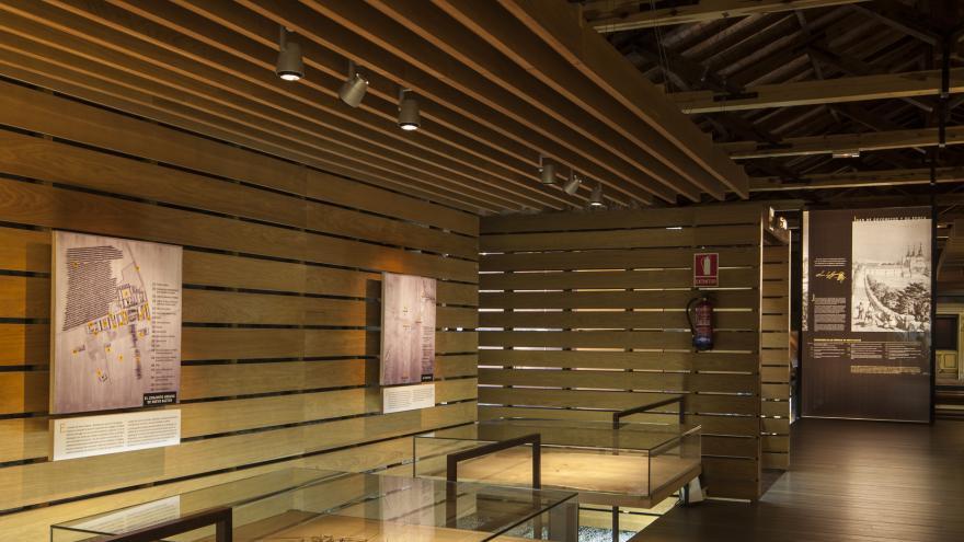 Maquetas dentro de vitrinas en el Centro de Interpretación de Nuevo Baztán
