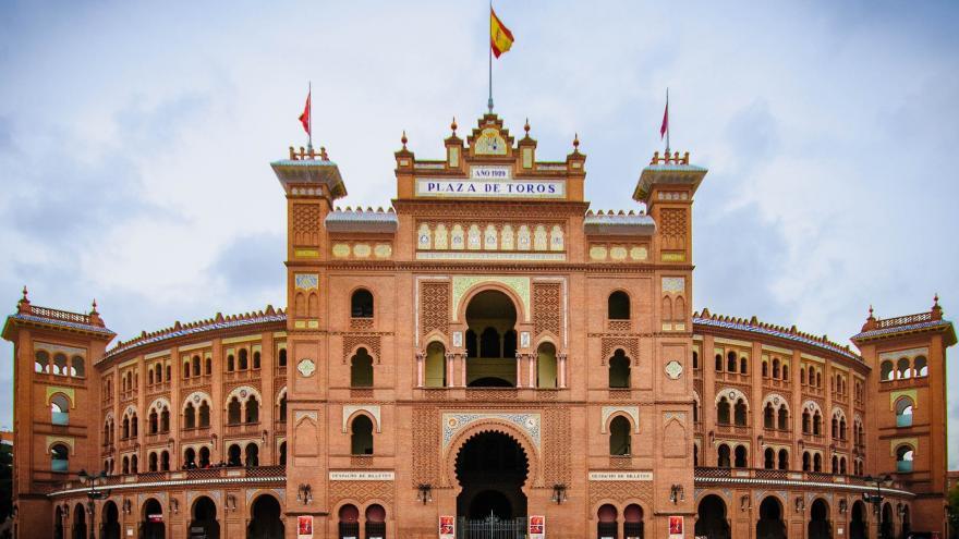 Fachada de la plaza de toros de Las Ventas