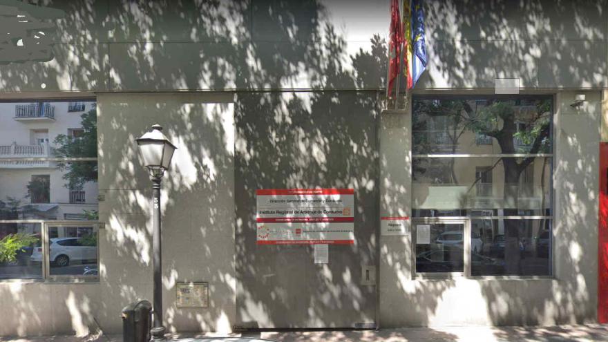 Fachada Consejería de Educación e Investigación, sede Díaz Porlier, 35