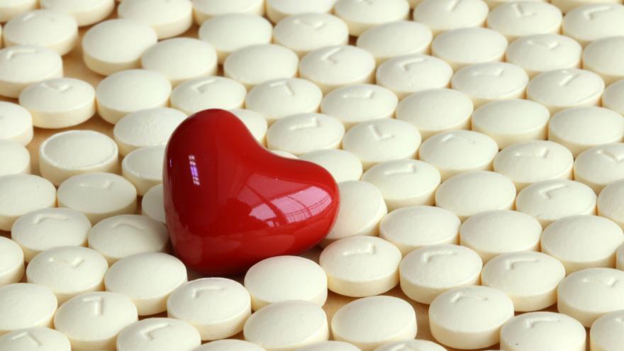Un corazón entre medicamentos