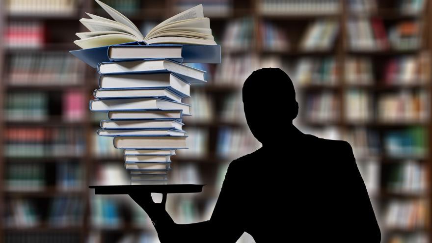 Sombra en biblioteca