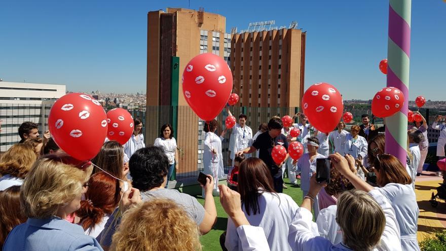 Celebración con globos del Día del Niño Hospitalizado 2019