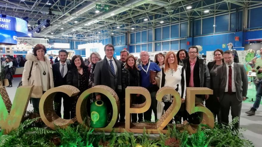 Foto de grupo de los visitantes de la COP25