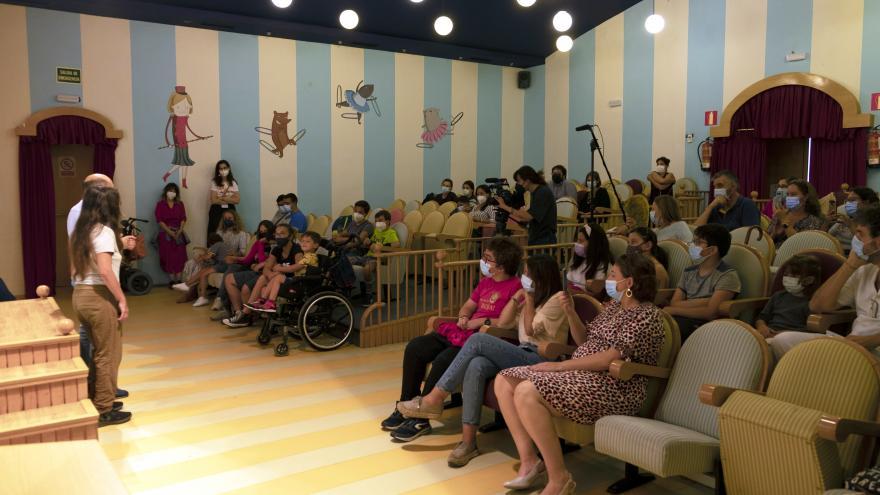 Pacientes de Neurología en el taller de Teatro del Hospital
