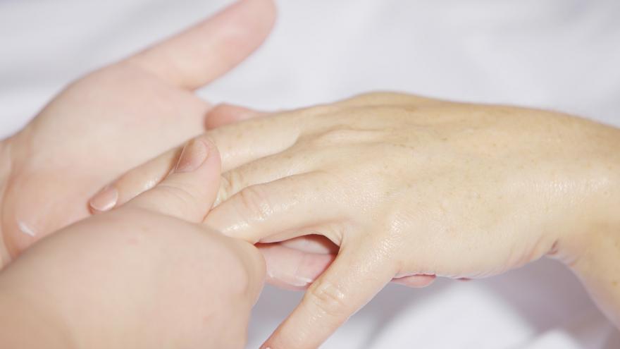 El Hospital Universitario Infanta Leonor reúne a expertos en cirugía y rehabilitación de la mano