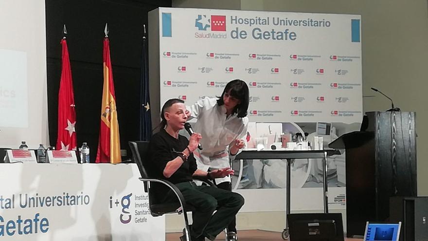 Demostración de maquillaje de lesiones en quemaduras