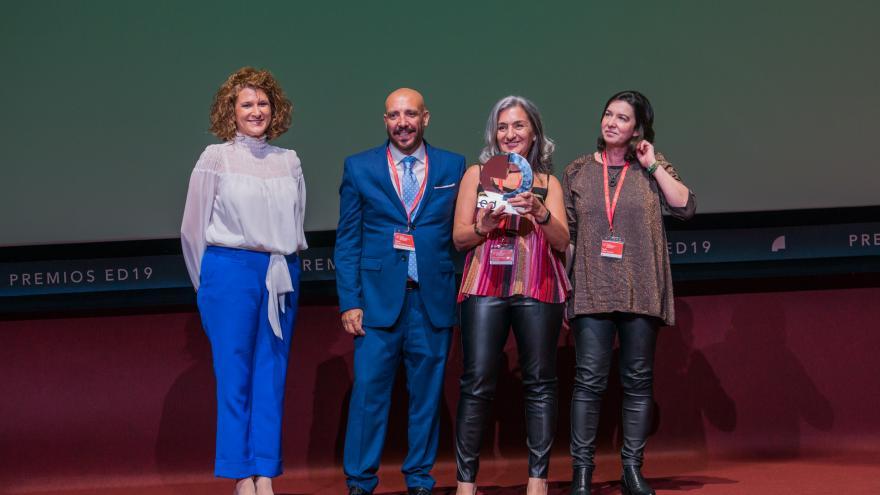 Tres profesionales de Promoción y Comunicación del Centro de Transfusión recogen premio Fuden