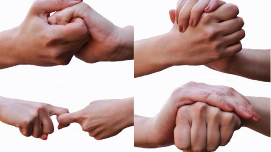 Dieferentes manos haciendo signos