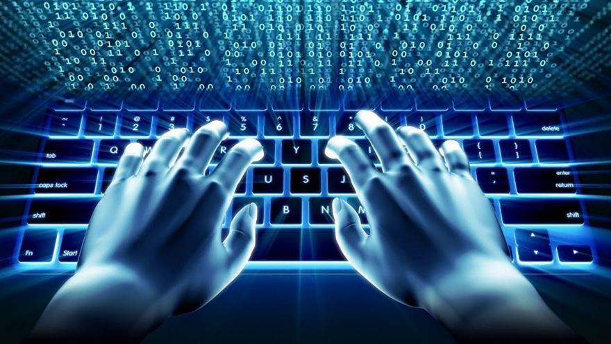 Dibujo de una manos frente a un ordenador