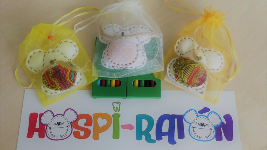 Una muestra de los ratoncitos de tela proporcionados por la asociación 'Hospi-Ratón'