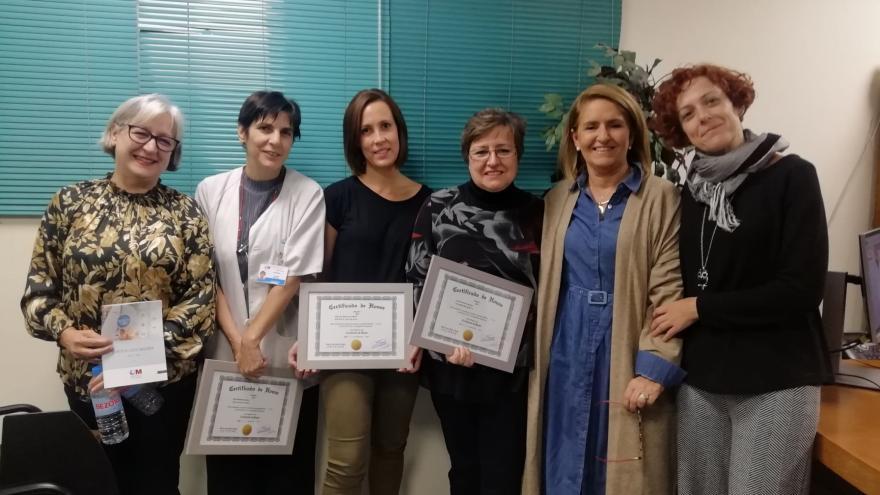 Profesionales del Centro de Salud Almendrales con la distinción