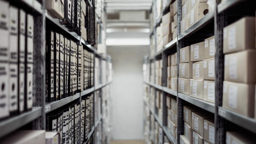 Estantería de un archivo