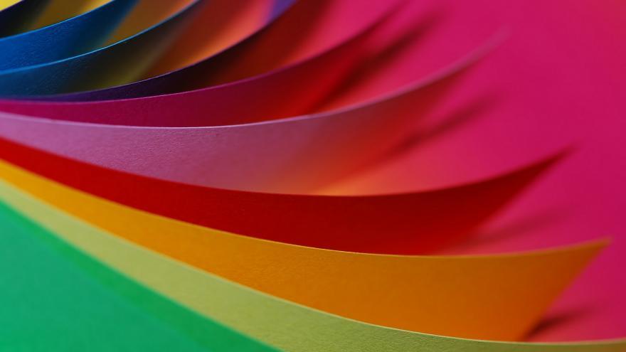 Imagen de varias cartulinas de distintos colores