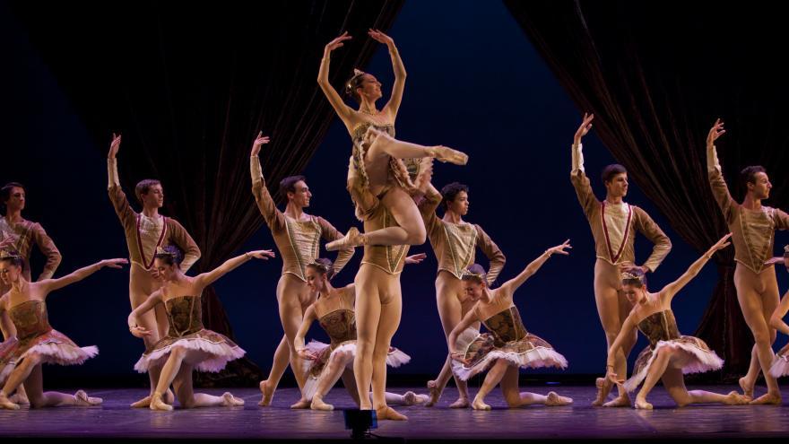 Danza en el RCD Mariemma. Foto E.Tenorio