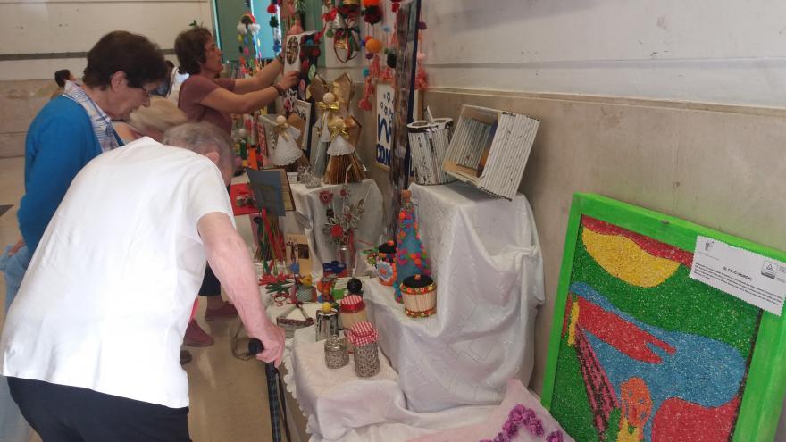Participantes en exposición trabajos manuales