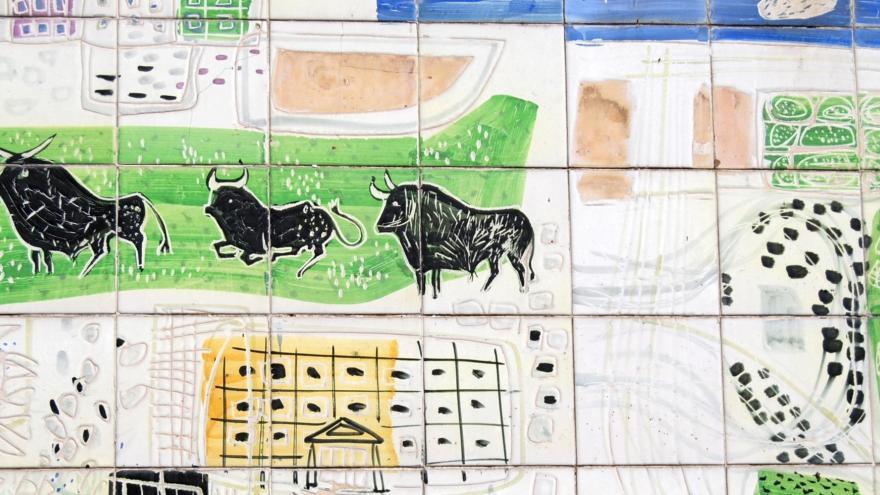 Detalle del mural del Pabellón de la Obra Sindical de Amadeo Gabino y Manuel Suárez Molezún