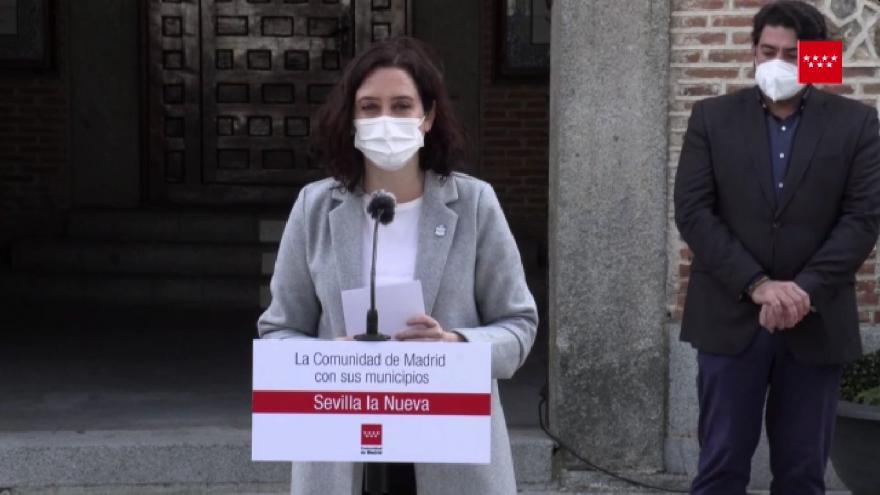 La presidenta de la Comunidad de Madrid, Isabel Díaz Ayuso, presenta las obras del nuevo Centro Cultural Polivalente de Sevilla la Nueva