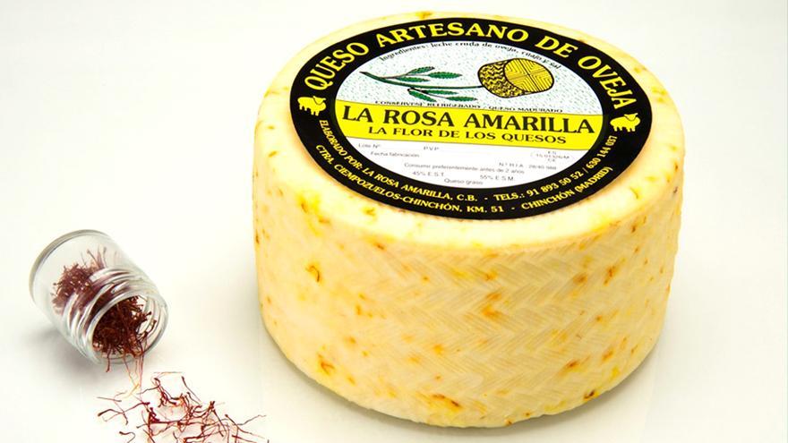 Fotografía de un queso La Rosa Amarilla semicurado