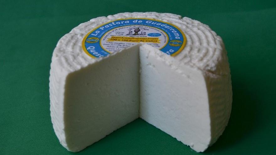 Fotografía de un queso La Pastora del Guadarrama fresco