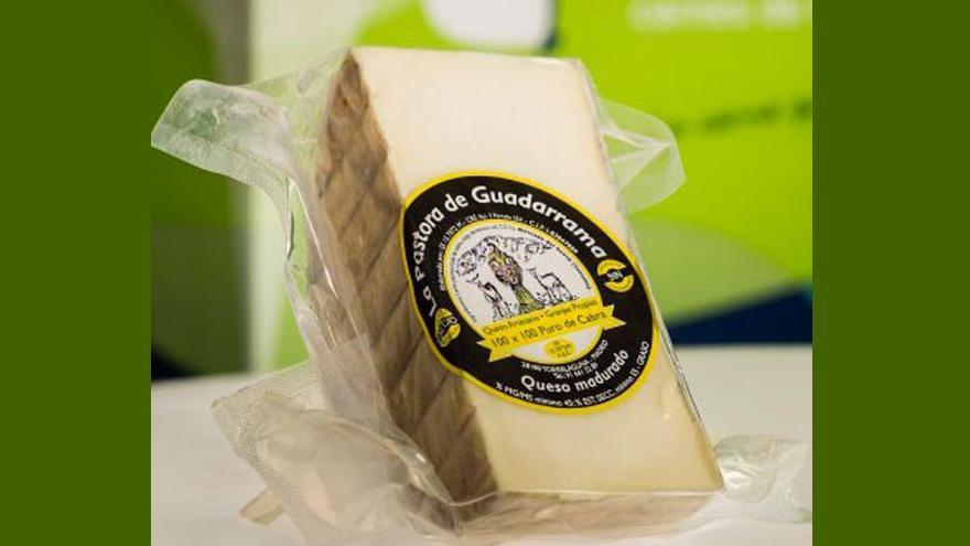 Fotografía de un queso La Pastora del Guadarrama semicurado