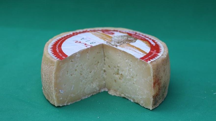 Fotografía de un queso Peña Rubia puro de oveja