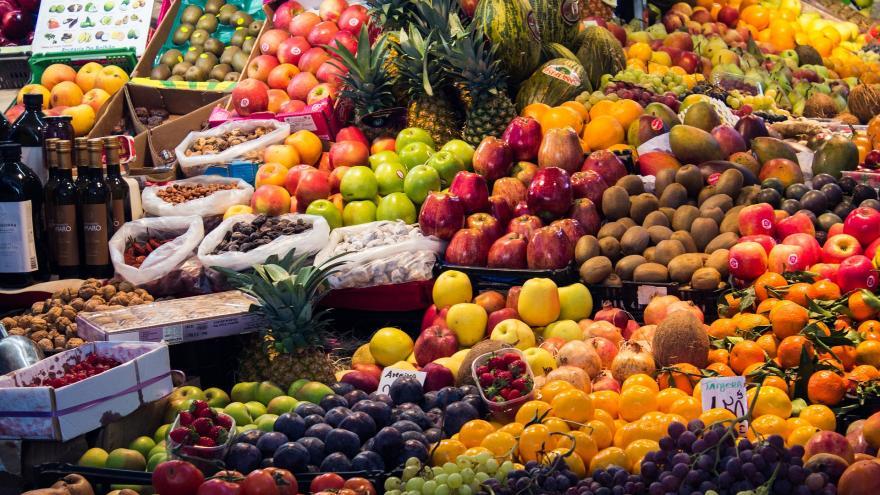 Exposición de frutas y verduras