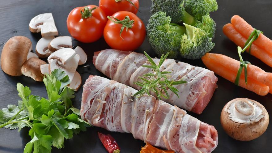 Redondo de cerdo con verduras variadas