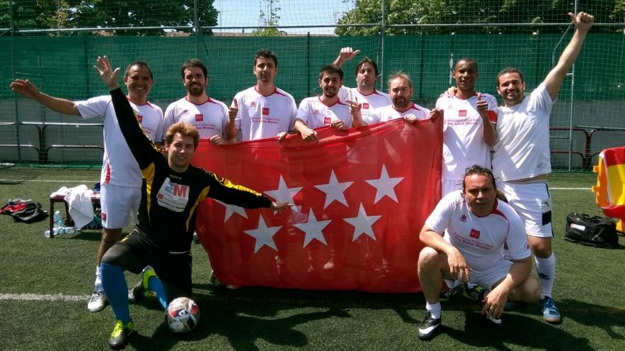 Imagen de grupo de la selección madrileña pro salud mental, campeona del torneo Puerta Abierta de la Rioja