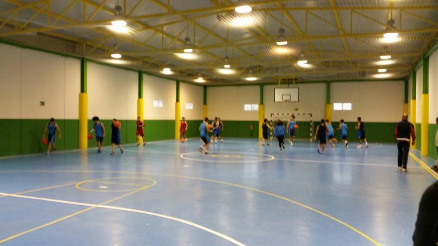 Menores Infractores jugando al baloncesto