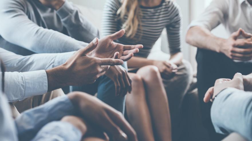 Imagen ilustrativa de una actividad terapéutica grupal