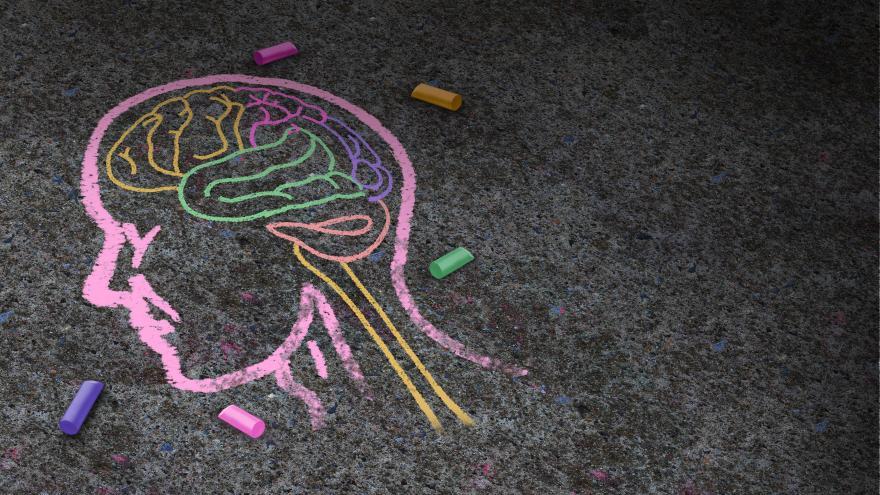 Un dibujo de una cabeza en tiza
