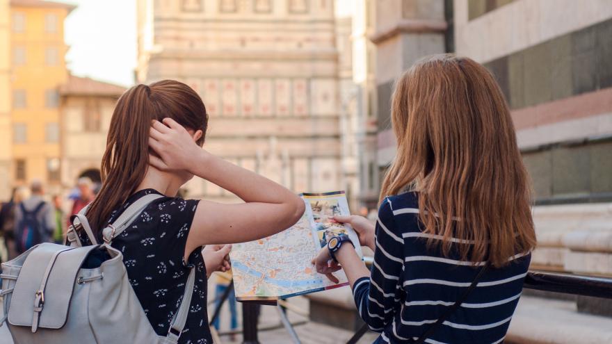 Dos jóvenes estudiantes