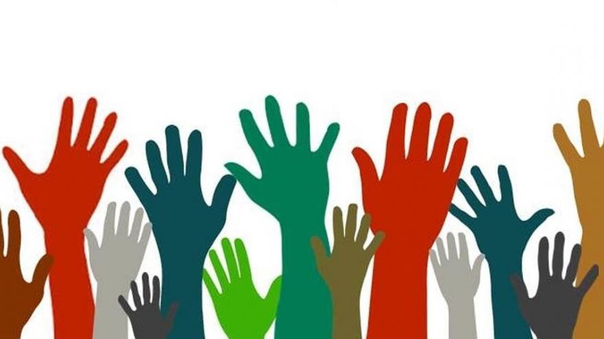 manos voluntarios