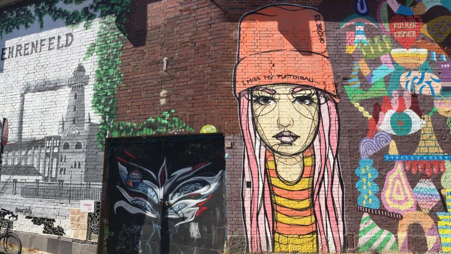 Muro con graffitti