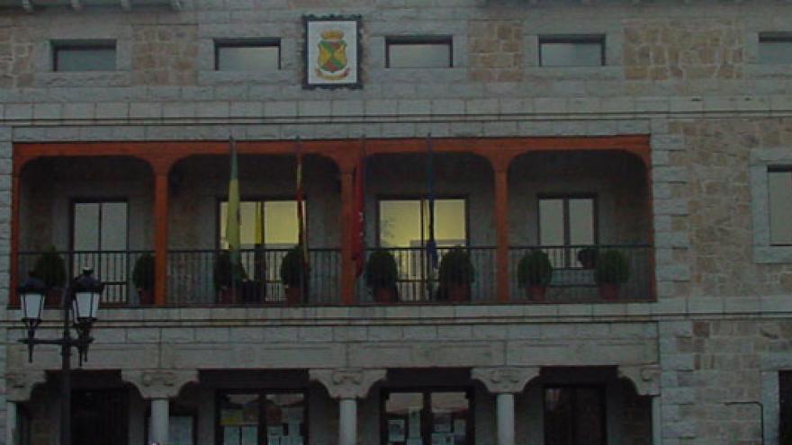 Manzanares-el-Real-ayuntamiento