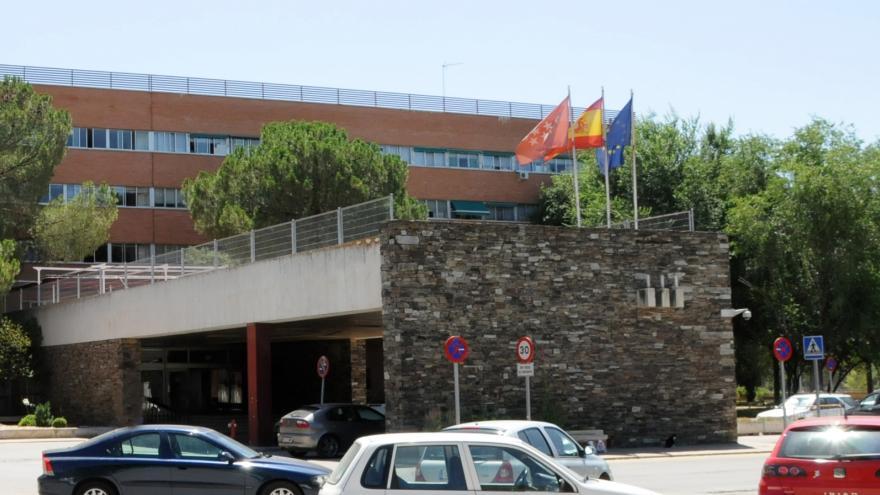 Vista lateral entrada Residencia de Mayores y Centro de Día Francisco de Vitoria