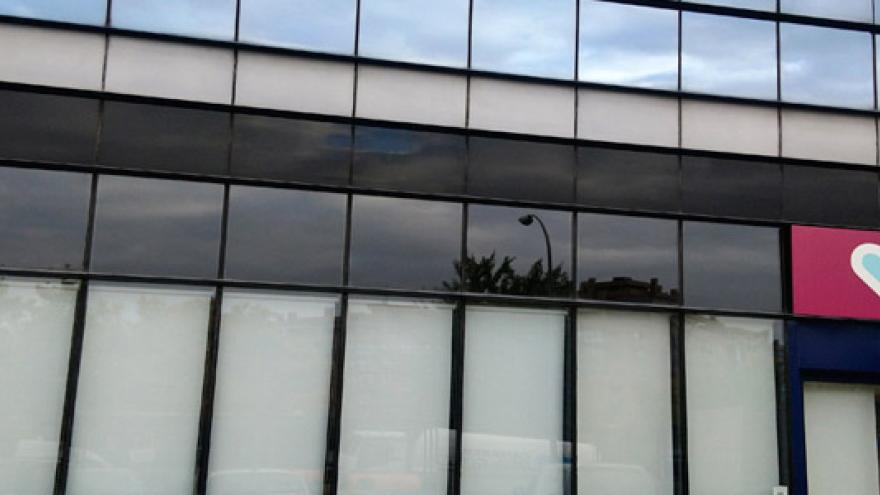 Fachada del Centro de Día (CD), Centro de Rehabilitación Psicosocial (CRPS) y Centro de Rehabilitación Laboral (CRL) Vallecas Villa