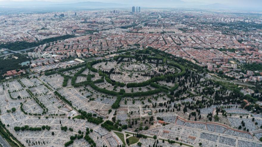 Vista panorámica y área del cementerio de La Almudena