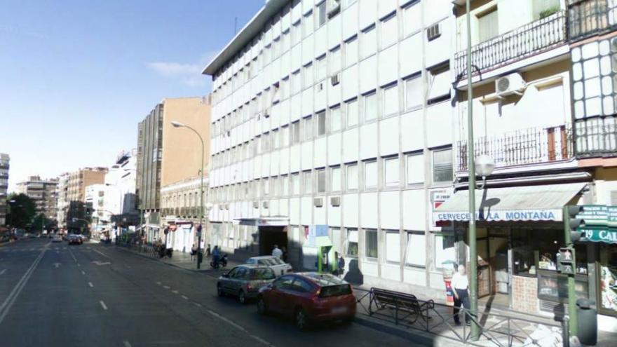 Fachad del Centro de Especialidades Médicas José Marvá