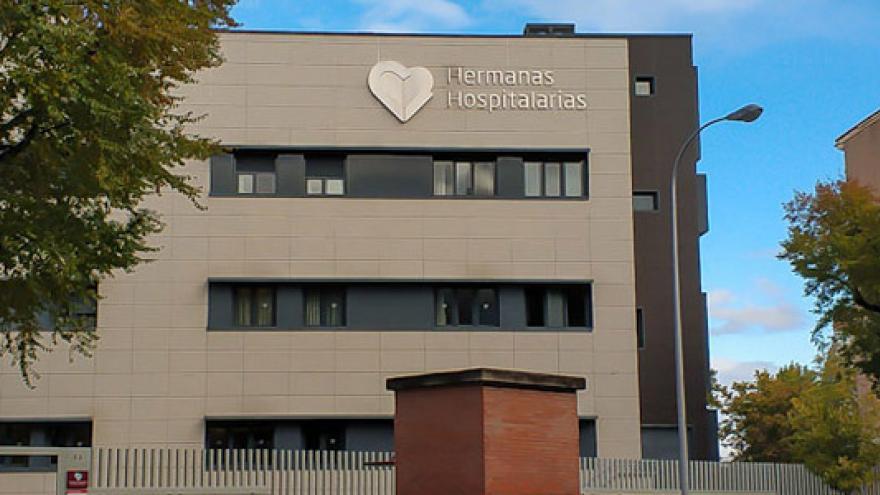 Fachada de la Mini Residencia (MR) Menni Retiro, Mini Residencia (MR) Menni Sainz de Baranda y Centro de Rehabilitación Laboral Retiro