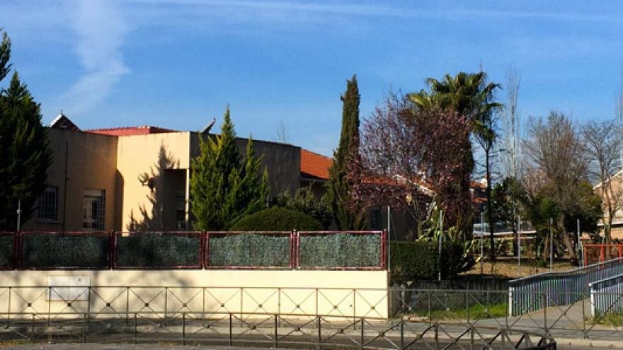 Fachada de la Residencia y Centro Ocupacional Los Pinos AMAS