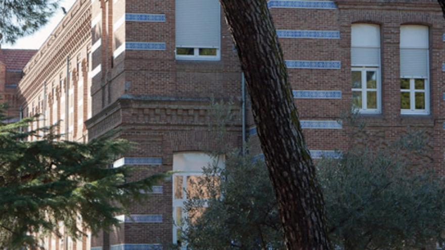 Fachada de la Residencia San Nicolás - Fundación Instituto San José