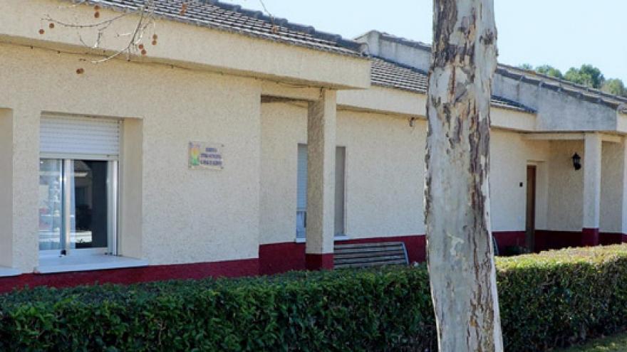 Fachada de la Residencia Viviendas El Pinar de Acedinos APANID
