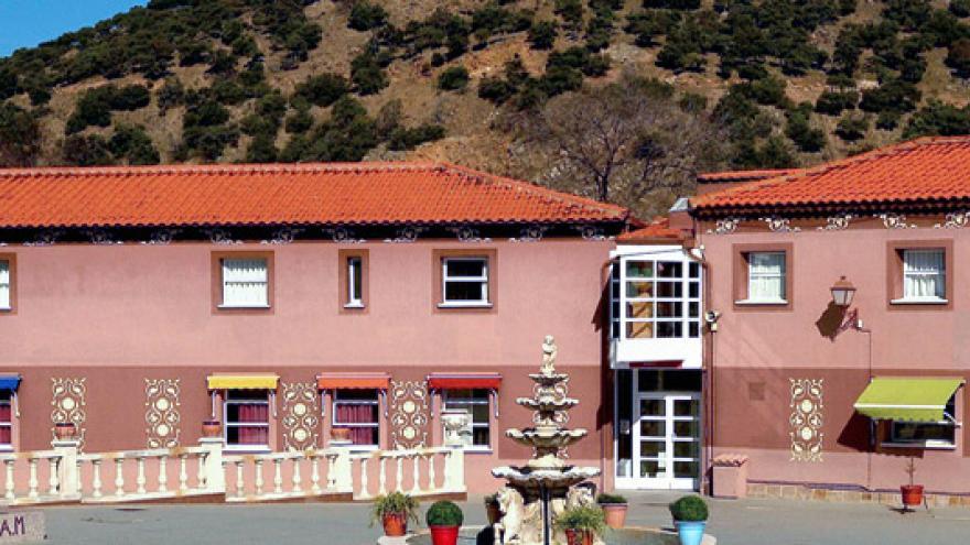 Fachada del Centro Residencial AMAM Picadas